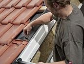 Szybszy i pewniejszy montaż okien dachowych VELUX z nowymi kołnierzami zdj. 7