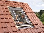 Szybszy i pewniejszy montaż okien dachowych VELUX z nowymi kołnierzami zdj. 4