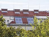 600 niestandardowych okien dachowych FAKRO w Goethehof zdj. 2