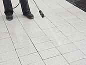 Czy beton w ogrodzie jest odporny na zabrudzenia? zdj. 6
