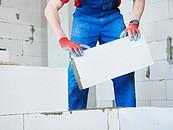 Jakie rodzaje ścian można wznosić przy użyciu bloczków silikatowych? – poradnik zdj. 2