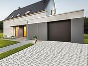 Jak dobrać nawierzchnie wokół posesji do stylu budynku, aby zachować spójność architektoniczną? zdj. 5