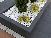 Nowoczesne kwietniki ogrodowe z betonu zdj. 2