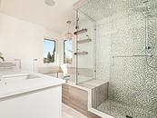 Kabina prysznicowa – jakie szkło wybrać? zdj. 2
