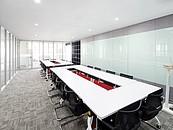 Modułowy sufit może być jednolitą, gładką powierzchnią zdj. 3