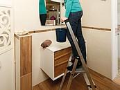 Bezpieczeństwo seniorów na plusie. KRAUSE przedstawia drabiny i schodki z serii PlusLine zdj. 1
