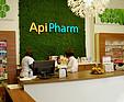 GREENARTE ApiPharm - Zielona ściana z mchu w nowoczesnej aptece