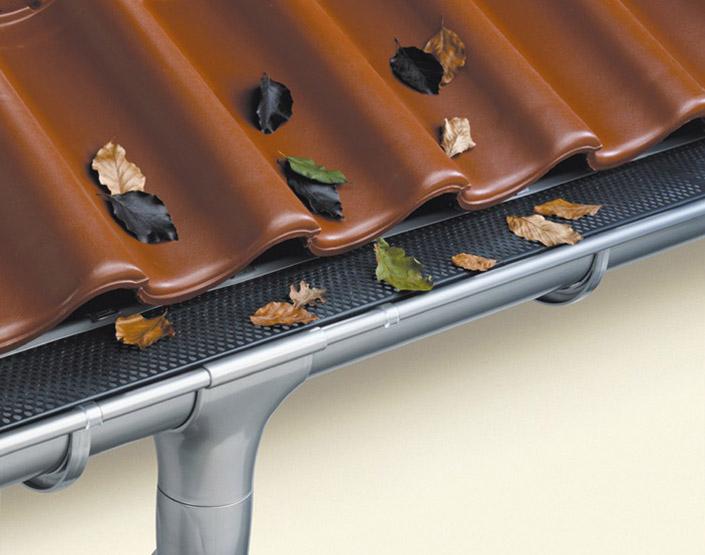 Как правильно сделать стоки воды с крыши фото